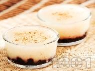 Домашен крем с грис, ванилия и сладко от боровинки